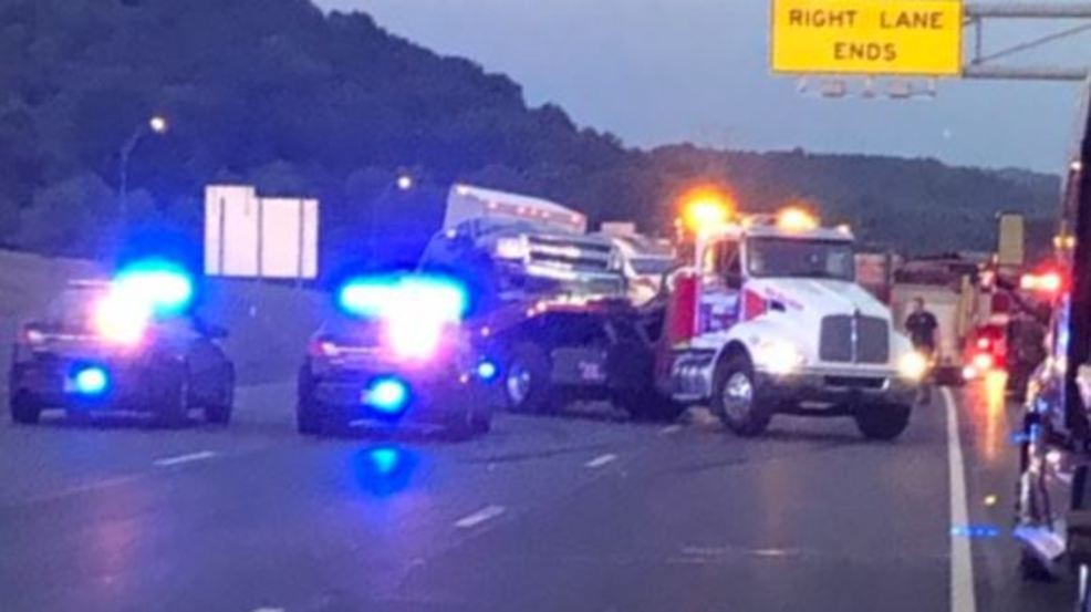 Seven-vehicle crash shuts down I-64 east in Putnam County | WVAH